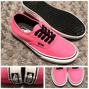Women's Vans lo-top paid $65 size 8. Like new!